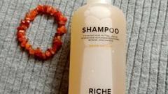 Отзыв: Хорошо очищает и на долго сохраняет свежесть волос, но объем не дает