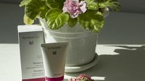 Отзыв: Шампунь для всех типов волос от Dr. Hauschka