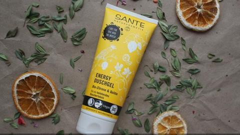 """Отзыв: Sante Гель для душа """"Энергия"""" с био-лимоном и айвой - мягкая пенка с наисвежайшим ароматом"""
