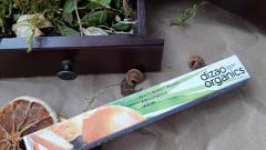Отзыв: И все-таки я решилась! Мой первый опыт использования натуральной туши для ресниц.