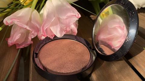 """Отзыв: Пудра-хайлайтер """"Цвет 04 золотисто-розовый"""" PuroBio - для самых роскошных образов и не только!"""