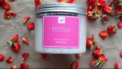 """Отзыв: Biothal Соляной скраб для тела """"Дикая роза"""" с частичками глубины океана"""