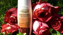 Отзыв: Скраб для лица с лепестками роз и гиалуроновая кислотой Saflora